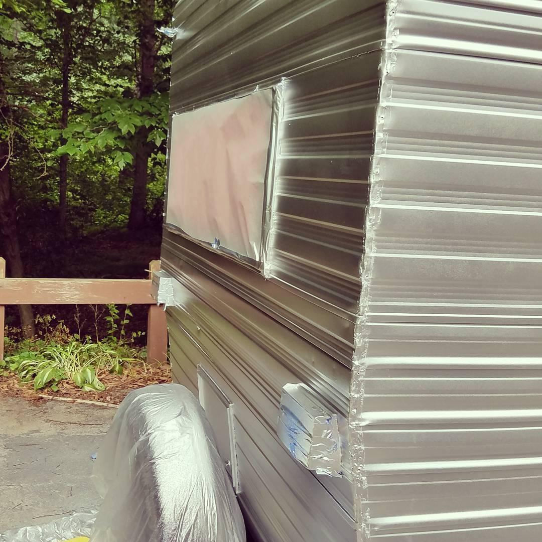 Instagram]In progress: the #camper is    • techmomogy